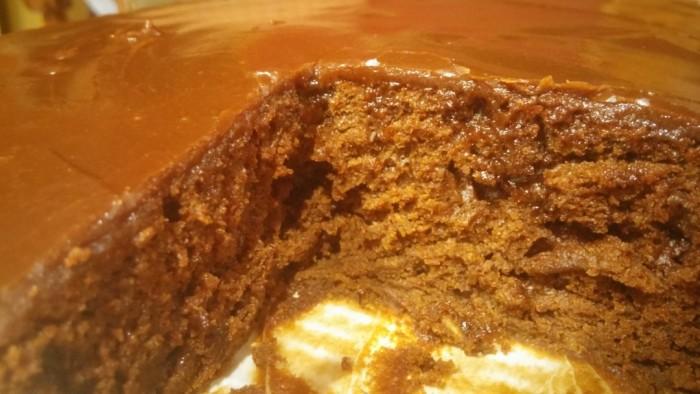 CAKEEEE! <3 OM NOM NOM
